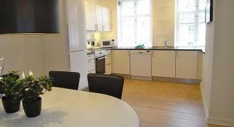 1012 – Stor 2 værelses lejlighed på Købmagergade