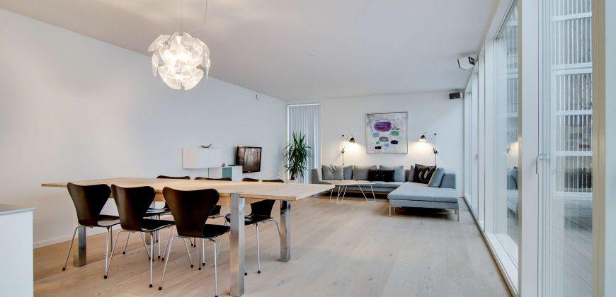 1099 – Eksklusivt byhus på Islands Brygge