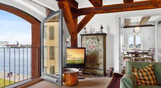 1156 – Eksklusiv lejlighed på Toldbodgade