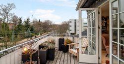 1254 – Luksus lejlighed med udsigt over Landbohøjskolens have. Boligen er uden bopælspligt.