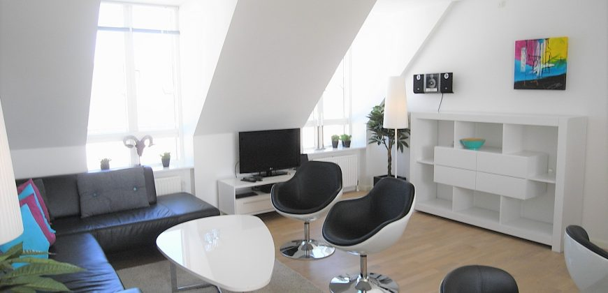 1276 – Lovely apartment by Nyhavn