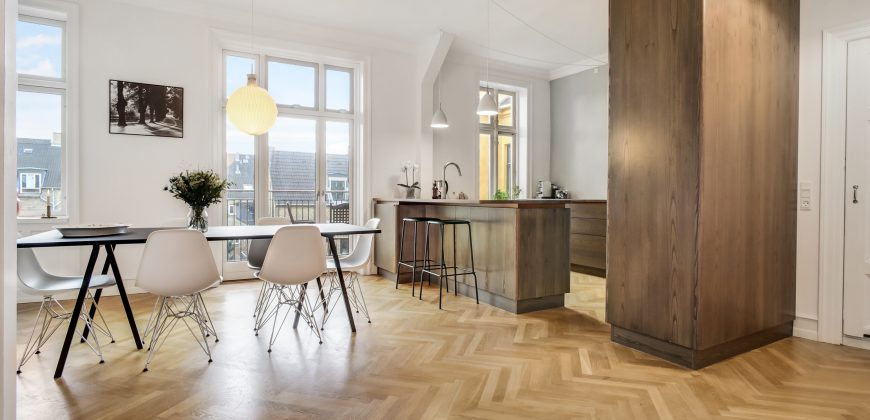 1368 – Furnished apartment full of charm