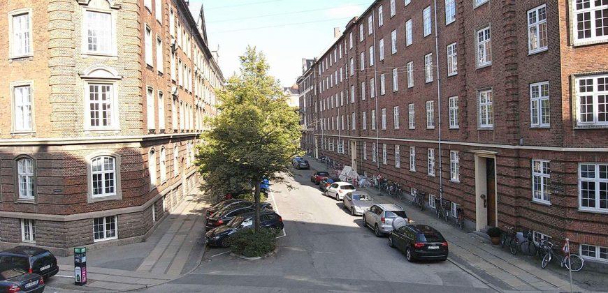 1053 – Herskabslejlighed på Bergensgade