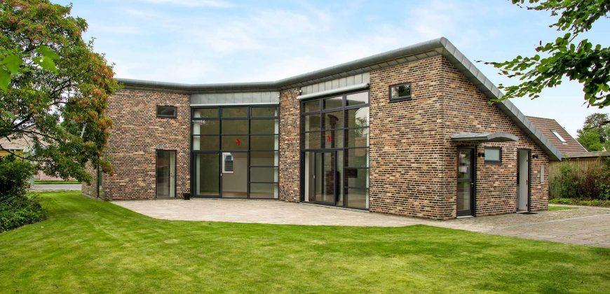 1016 – Lovely architect designed house at Engvej