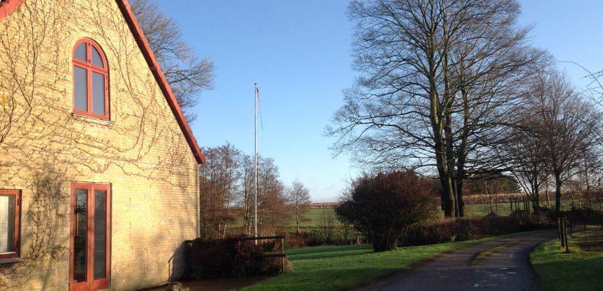 1109 – Lovely property north of Copenhagen