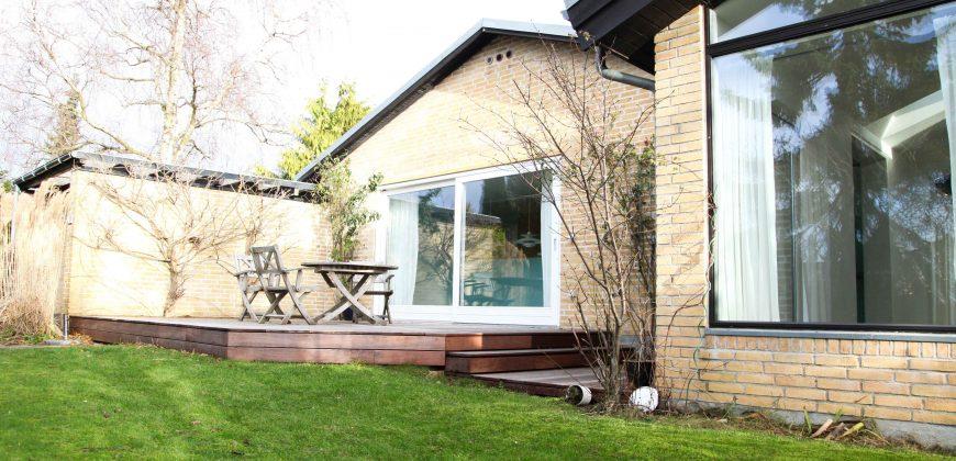 1250 – Familievenligt hus på hyggelig villavej
