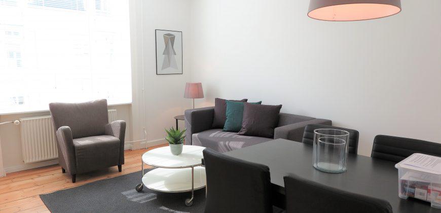 1324 – God møbleret lejlighed på Østerbro til korttids udlejning