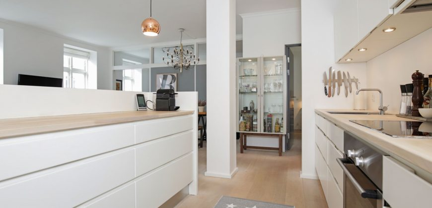 1330 – Lovely apartment in Frederiksberg Allé