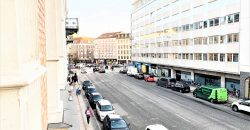 1381 – Luxury flat with private parking space