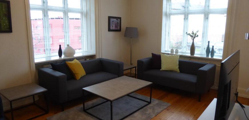1404 – Fantastisk møbleret Lejlighed