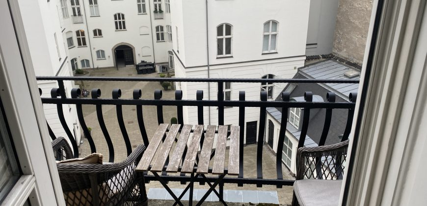 1524 – Smuk herskabslejlighed på Østerbro