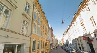 1545 – Klassisk lejlighed på Studiestræde