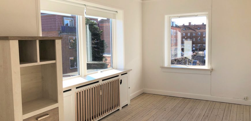 1557 – Four-room apartment close to Amagerbrogade