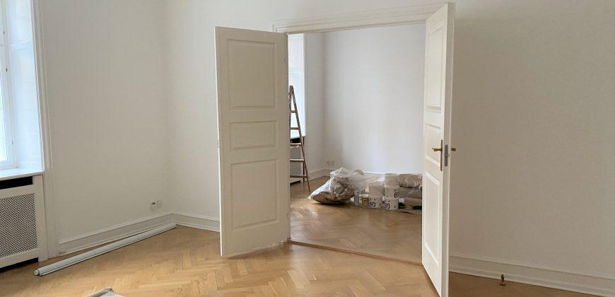 1555 – Fire værelses lejlighed på Indre Østerbro