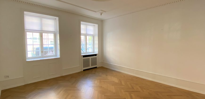 1618 – Four room apartment in Inner Østerbro